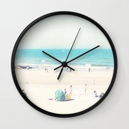 beach - happy life Wall Clock