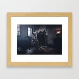 Tu m'as promis V Framed Art Print