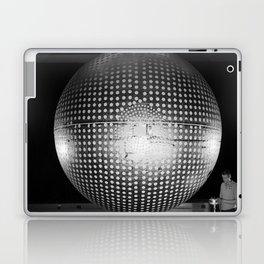 Explorer 24 Satellite Laptop & iPad Skin