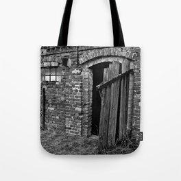 Old abandoned barn Tote Bag