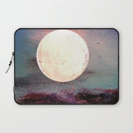 Tonight, I Am Dreaming That We Can Sleep Under The Same Moon. Laptop Sleeve