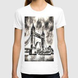 Tower Bridge and the Waverley Art T-shirt
