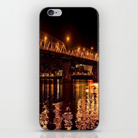 hawthorn bridge iPhone Skin