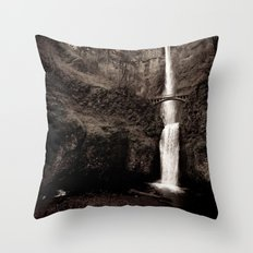 multnomah falls. Throw Pillow