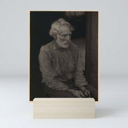 Doris Ulmann  (1882–1934), Nick Barton, Civil War veteran, d. May 1928. Bearded man in polka-dot shi Mini Art Print