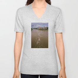 City of Florence, crossed by the Arno river. Typical Renaissance buildings of the city of Michelange Unisex V-Neck
