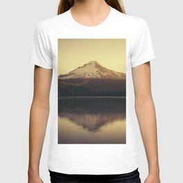 Sunrise at Trillium Lake - Oregon Adventure T-shirt