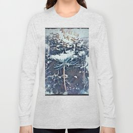 Queen Anne's Lace Flower with Sunbeams Long Sleeve T-shirt