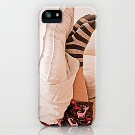 Pies en domingo. iPhone Case