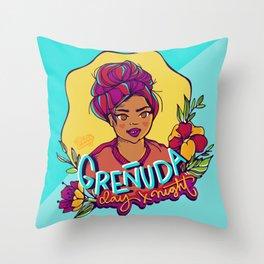 Greñuda Throw Pillow