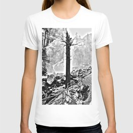 The Lone Tree Among The Mist T-shirt