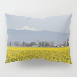 DAFFODIL FIELD AND MOUNT BAKER IN THE SKAGIT VALLEY  Pillow Sham