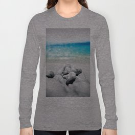shells in hand Long Sleeve T-shirt