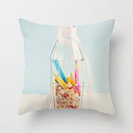 Botella de colores Throw Pillow
