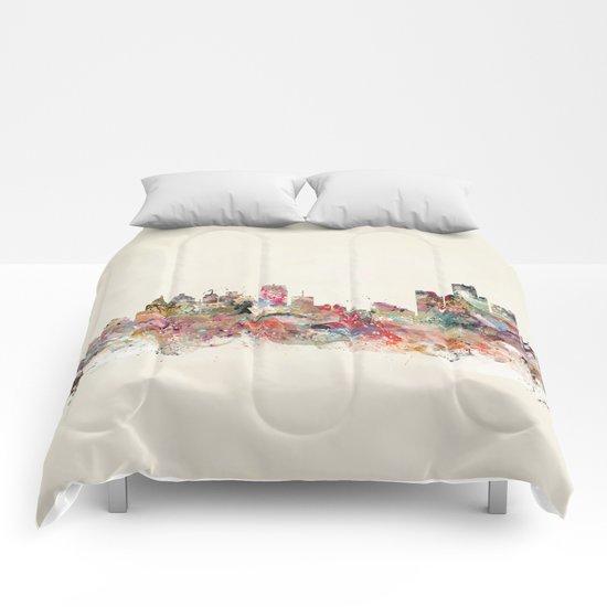 detroit michigan skyline Comforters