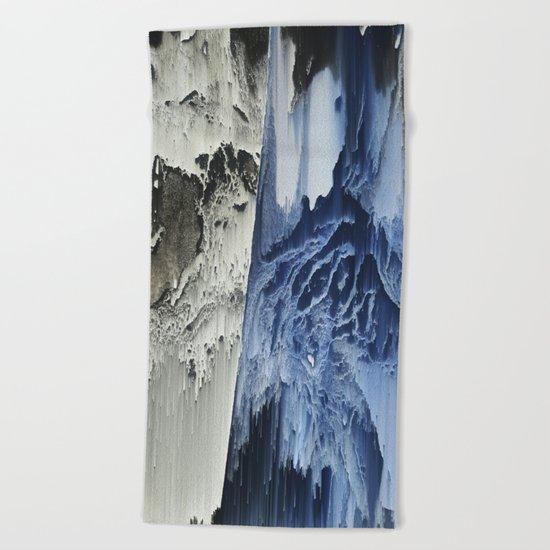 Mucho Frio Beach Towel