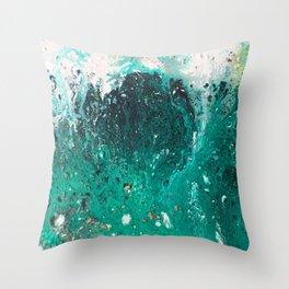 Mountain runoff Throw Pillow