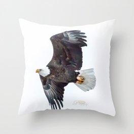 Eagle soaring Throw Pillow