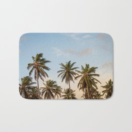Sky beach palmier Bath Mat