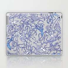 Squids of the inky ocean Laptop & iPad Skin