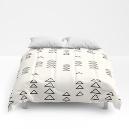 Minimalist Triangle Line Drawing Comforters