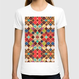 N96 - Heritage Traditional Islamic Moroccan Tiles Style Artwork. T-shirt