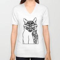 maori V-neck T-shirts featuring Maori Kitty by Sofy Rahman