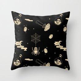 Halloween pattern in black bg Throw Pillow