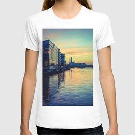 Sunset over Chelsea Bridge 02C (everyday 24.01.2017) T-shirt