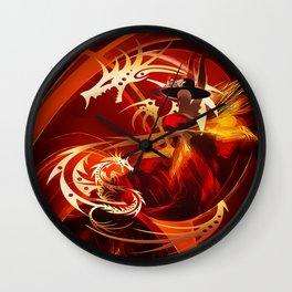 Tänzerin mit Drachen Wall Clock