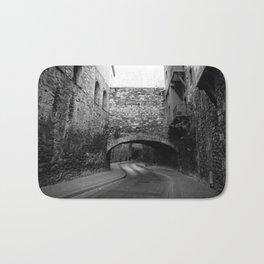 Calle con túnel Bath Mat