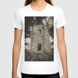 Cripplesease Engine House in Mono T-shirt