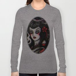 Victoria Long Sleeve T-shirt
