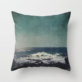 emerAld oceAn Throw Pillow