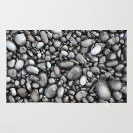 Black lava pebbles Rug