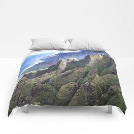 Hawaii's BREATHTAKING Na Pali Coastal Cliffs Comforters