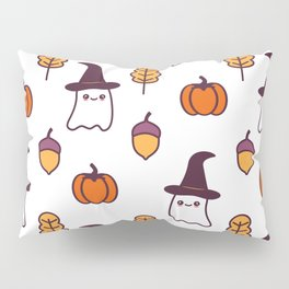 cute cartoon halloween pattern background with ghosts, pumpkins, leaves and acorns Pillow Sham