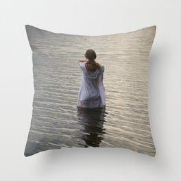 Dreaming in the water Throw Pillow