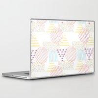 memphis Laptop & iPad Skins featuring Memphis geométrico by Flor Tate