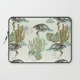 Crocodile pattern on the cactus Laptop Sleeve