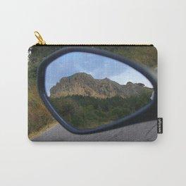 la montagna in uno specchio Carry-All Pouch