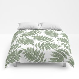 Hand painted forest green tropical leaves pattern Comforters