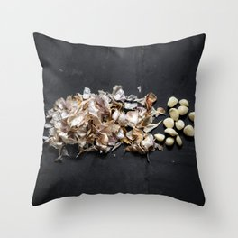 Garlic (exploded view) Throw Pillow