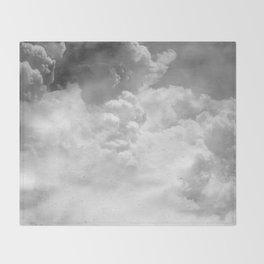 Nuages de Septembre Throw Blanket