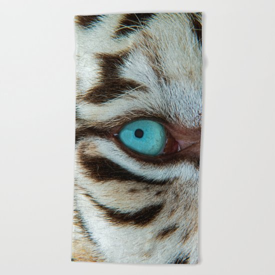 WHITE TIGER BEAUTY Beach Towel