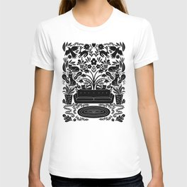 wild apartment T-shirt