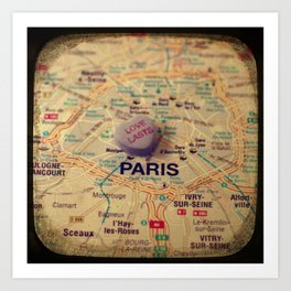 Love Lasts Paris Art Print