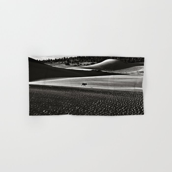 Walking alone through the desert of life Hand & Bath Towel