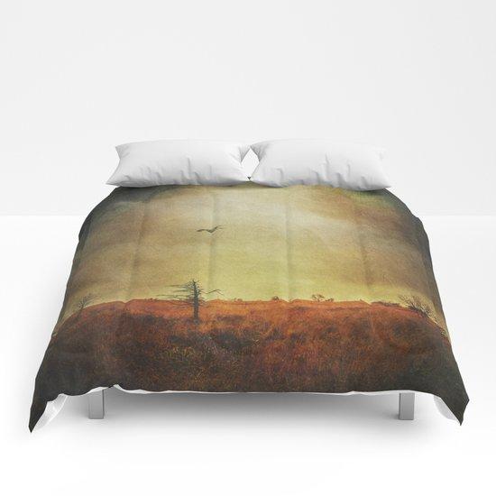 stormland hunter Comforters