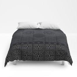SILVER EIFFEL WEIMARANER Comforters